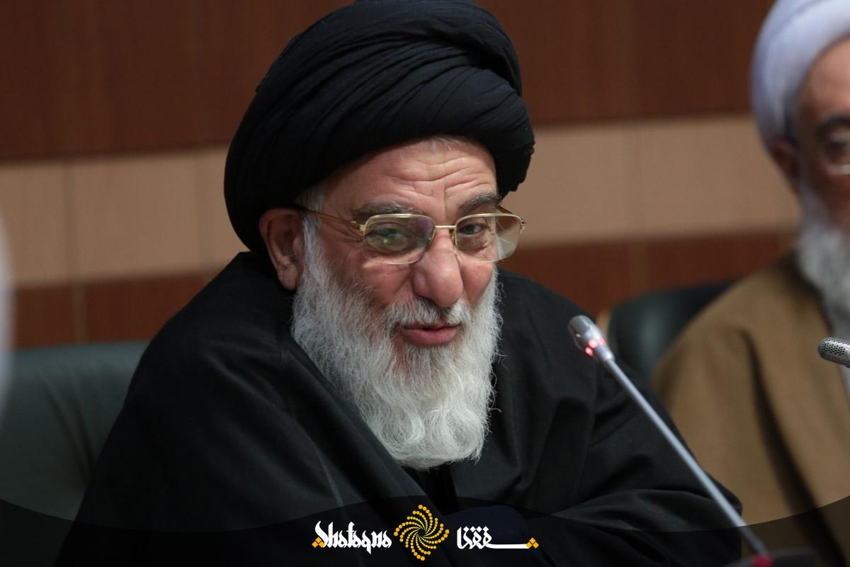 khobregan 48 دفتر حضرت آیت الله هاشمی شاهرودی ارتباط بعضی فعالان اقتصادی به آن مرجع تقلید را تکذیب کرد