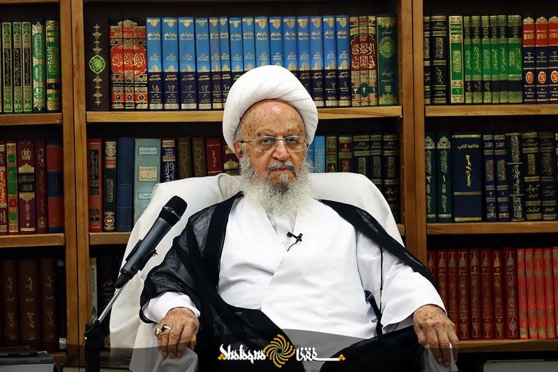 makarem 83 تاکید حضرت آیت الله مکارم شیرازی بر حفظ ارزشهای اسلامی