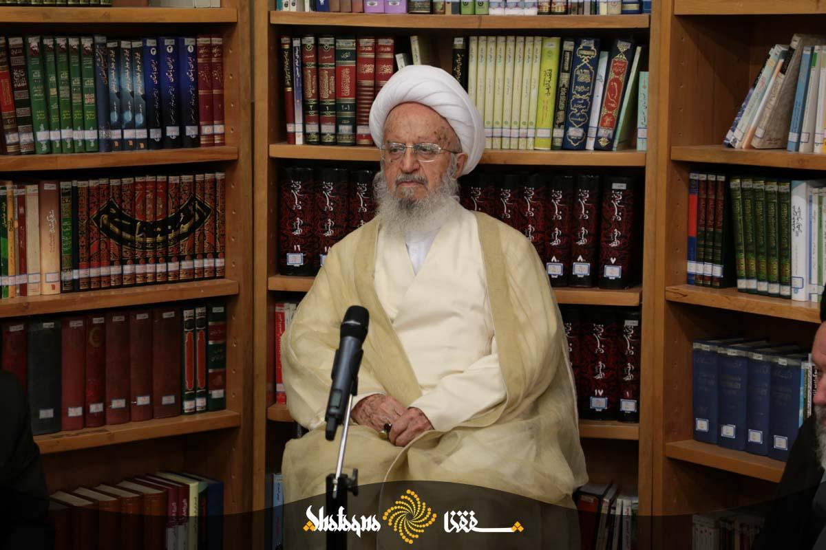 makarem shirazi 19 حضرت آیت الله  مکارم شیرازی: اوضاع فرهنگ در جامعه نگران کننده می باشد