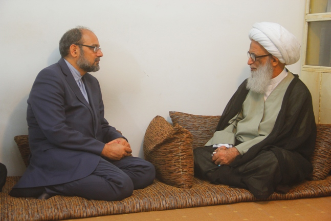 نخد سر کنسول ایران در نجف اشرف با حضرت آیت الله نجفی دیدار کرد