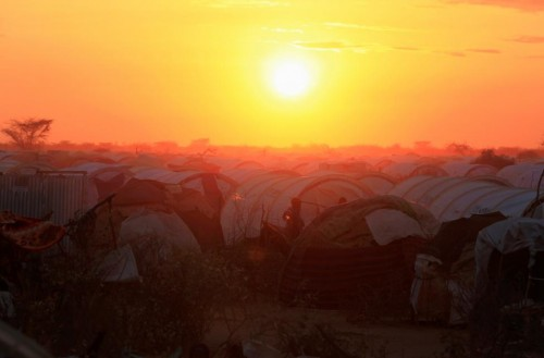 The sun sets over the Ifo extension refugee camp in Dadaab, July 31, 2011.  REUTERS/Thomas Mukoya
