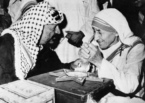 Yasser Arafat, leader of the Palestinian Liberation Organization, meets with Mother Teresa on March 28, 1990 concluding Arafat