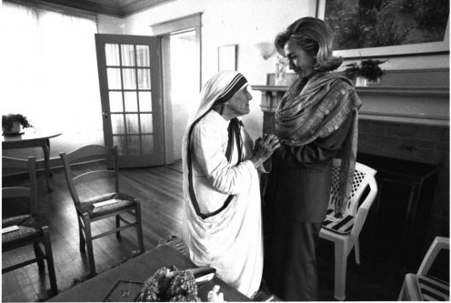 First lady Hillary Rodham Clinton meets Mother Teresa at the opening of the Mother Teresa Home for Infant Children in Washington DC, June 19, 1995. REUTERS