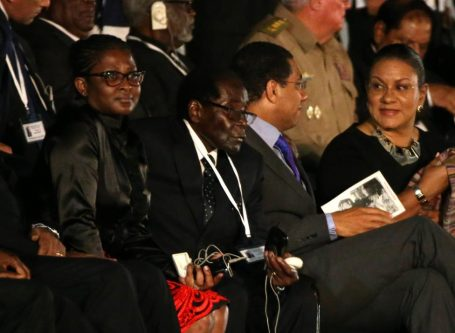 Zimbabwean President Robert Mugabe. REUTERS/Carlos Garcia Rawlins