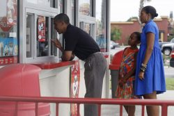 U.S. President Obama and his family buy ice cream in Florida