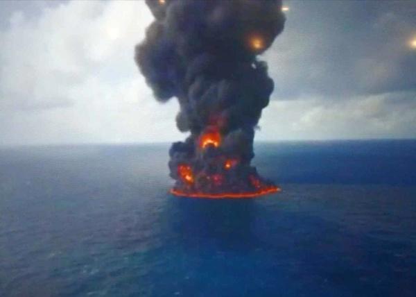 خدمه نفتکش ساچی، در ساعات اولیه حادثه جان باخته بودند
