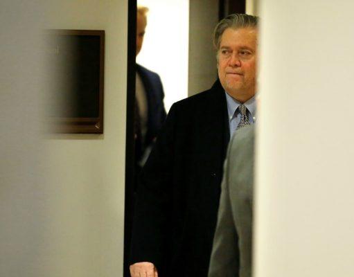 آن مرد که در سایه ی قدرت نشسته در آمریکا کیست؟