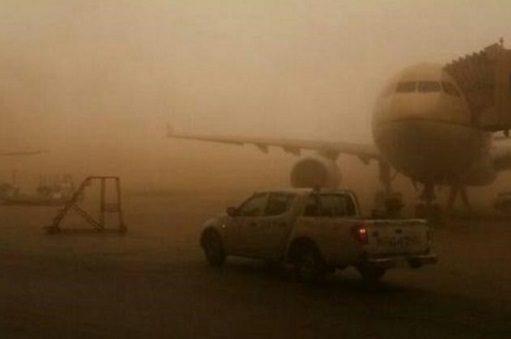گرد و غبار ۲ پرواز فرودگاه بین المللی آبادان را لغو کرد