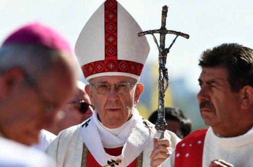پاپ مردم شیلی را شوکه کرد: به اعضای کلیسا تهمت زده شده است