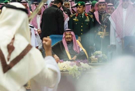 رقص شمشیر پادشاه و شاهزادگان سعودی+ تصاویر