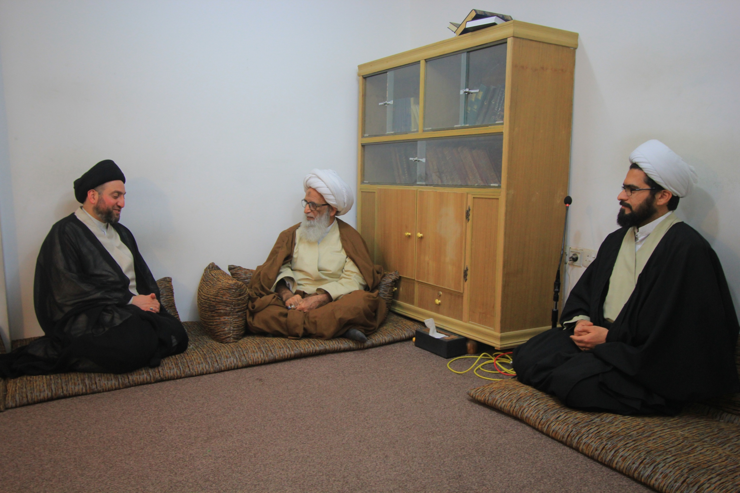 عمار حکیم حضرت آیت الله بشیر نجفی در دیدار عمار حکیم: نتایح اقدامات سیاسی بایستی و حتما به نفع جامعه عراق باشد
