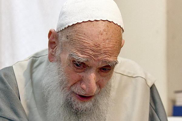 %name «دشمن پى صید تو بدون خبر آمد» سروده آیت الله علی صافی خطاب به زنان مسلمان