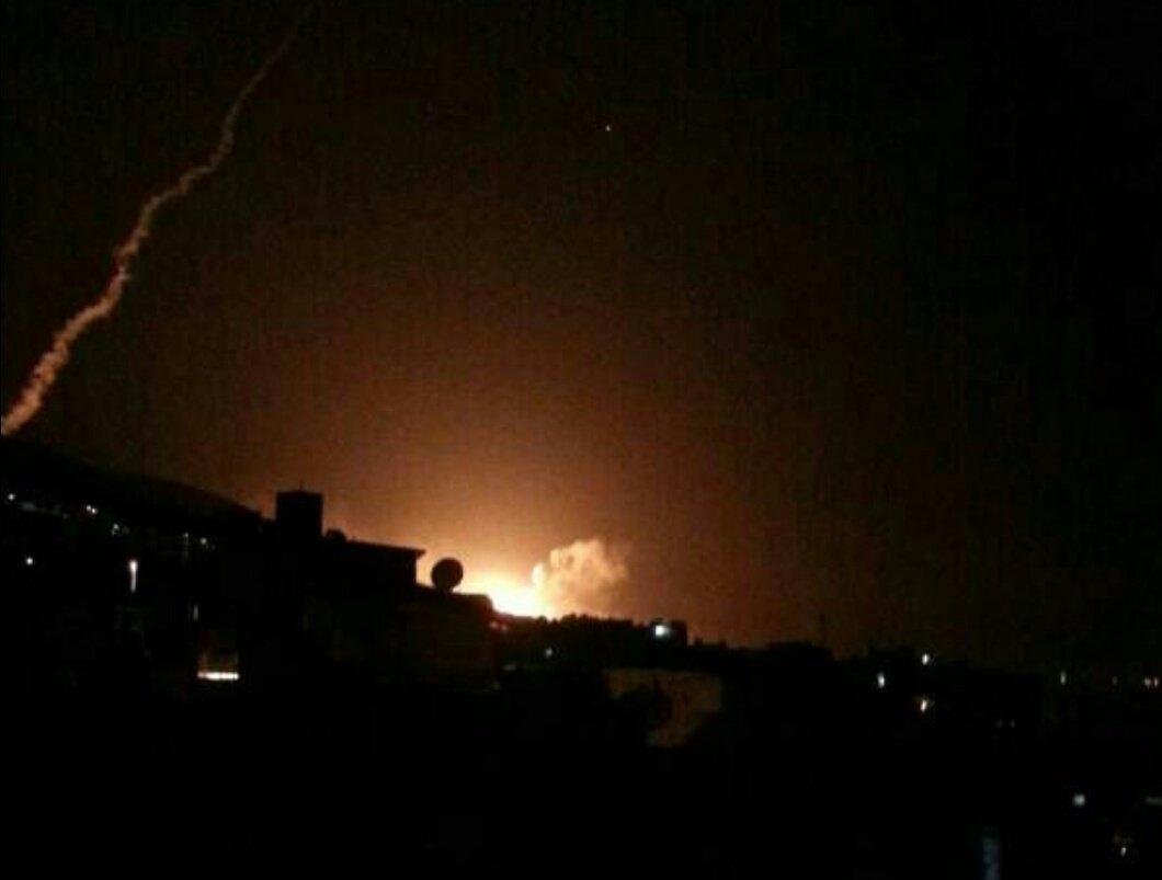 این تصویر را راشا تودی از Arturas Kerelis  با عنوان انفجار در دمشق منتشر کرده است