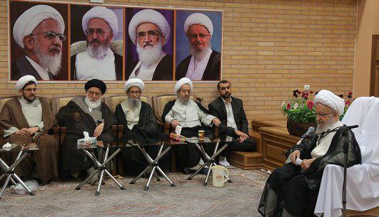 %name آیت الله مکارم شیرازی: شهرستان ها نباید از وجود علما و همچنین مبلغان دین خالی باشد/ رهبر انقلاب نگران خواهند بود