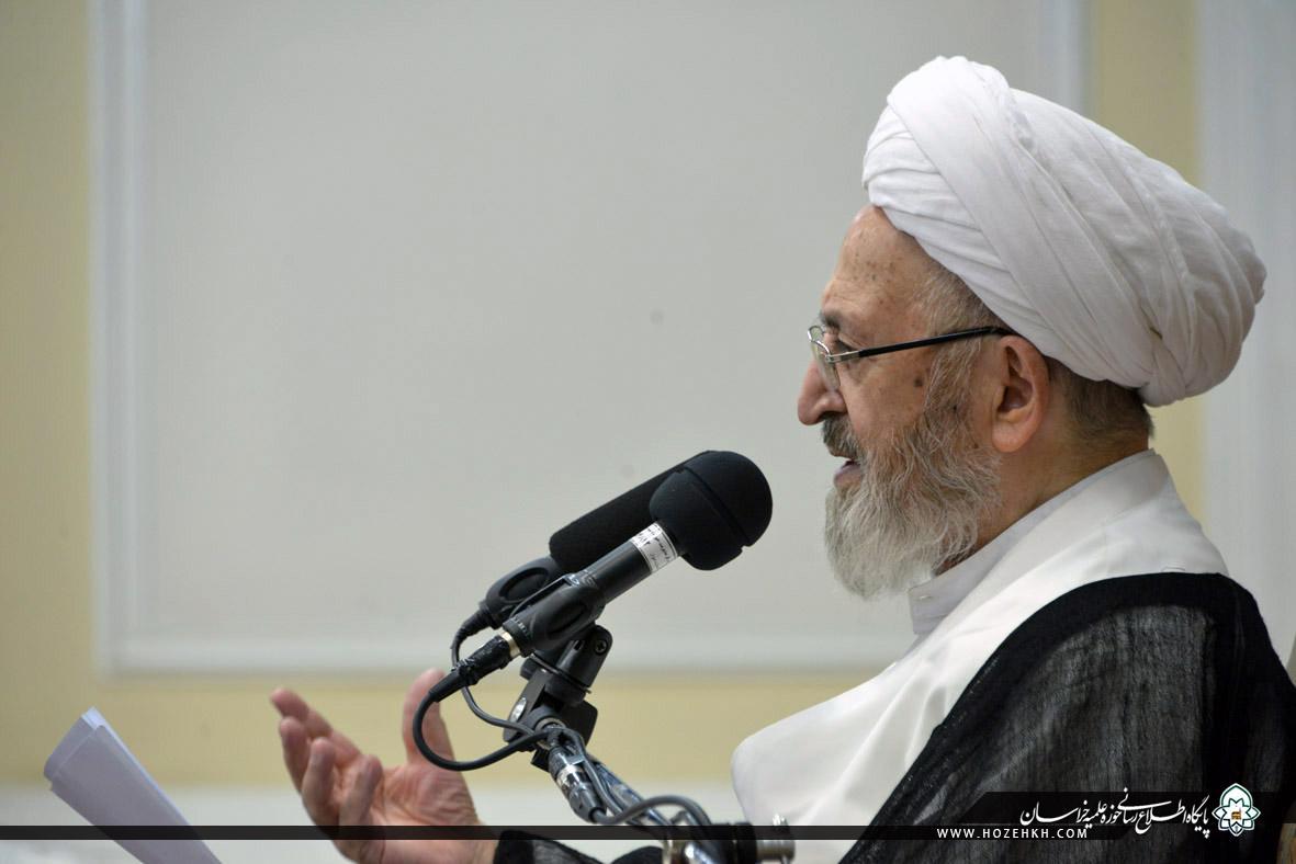 %name آیت الله سبحانی: روحانیت باید نسبت به مسائل جدید در علم کلام روشنگری کنند