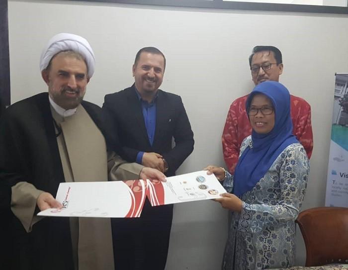 امضای تفاهم نامه همکاری میان دانشگاه مذاهب اسلامی و دانشگاه اندونزی