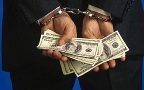 مجازات مفسدان اقتصادی سریع وعادلانه انجام شود