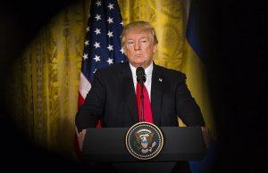ترامپ، خبرنگار CNN را تهدید به اخراج دوباره از کاخ سفید کرد