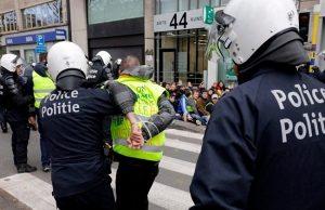 تظاهرات معترضان بلژیکی علیه نخستوزیر