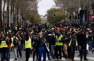 جلیقه زردهای فرانسه برای دهمین شنبه پیاپی تظاهرات کردند