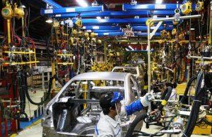 وزیر صنعت: خودروسازان باید به گونه ای عمل کنند که رضایت مردم در پیش فروش خودروها جلب شود