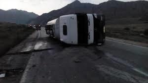 واژگونی اتوبوس با ۳۰ نفر مسافر در محور دیواندره _ بیجار