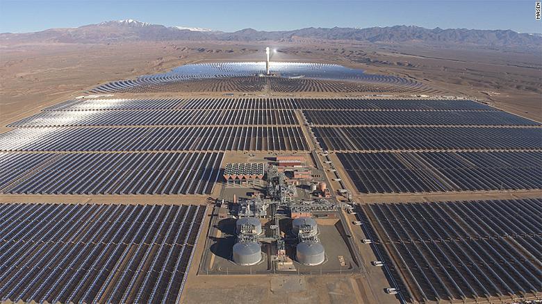 بزرگترین مزرعه خورشیدی جهان در این کشور قرار دارد+ تصاویر