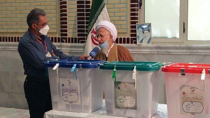 حضرت آیت الله جوادی آملی: منتخبین در مقابل ملت ایران مسئول هستند/ مشکلات مردم، مشکلات عادی نیست